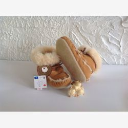 Authentik Sheepskin mocassins style boots for toddlers And young children