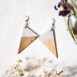 Pie IX, Earrings, Ash, Grey, Made in Montreal, Local Wood, Circular Economy, Recycled Wood, Ash Agrile