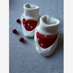 Organic baby slippers, cream slippers, bears, red, cream, gender neutral, baby shower gift, cream