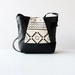 Yupik - Leather Shoulder Bag With African Bogolan Pattern