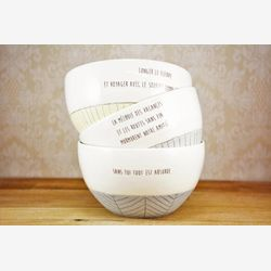 Cafe au lait bowl with sayings. Porcelain bowl, blue and white with love quote. Ceramic cereals bowl, soup bowl.