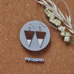 Atwater, Earrings, Ash, White, Made in Montreal, Local Wood, Circular Economy, Recycled Wood, Ash Agrile